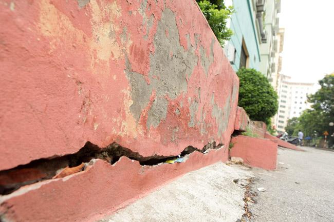 HN: Nền nhà chung cư sập trong đêm, dân hoảng loạn - 11