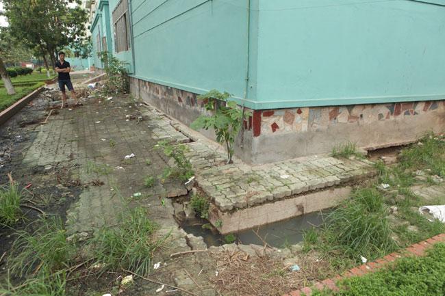 HN: Nền nhà chung cư sập trong đêm, dân hoảng loạn - 13