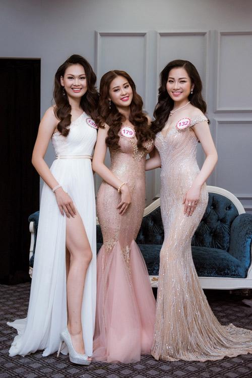 Hoa hậu VN: Thí sinh gợi cảm với đầm ôm sát, xẻ tà - 3