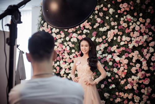 Hoa hậu VN: Thí sinh gợi cảm với đầm ôm sát, xẻ tà - 4