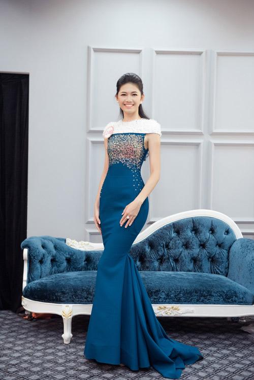 Hoa hậu VN: Thí sinh gợi cảm với đầm ôm sát, xẻ tà - 6