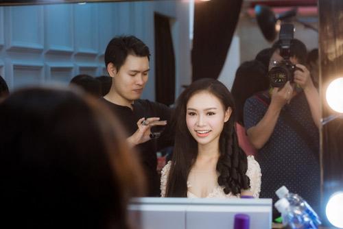 Hoa hậu VN: Thí sinh gợi cảm với đầm ôm sát, xẻ tà - 2