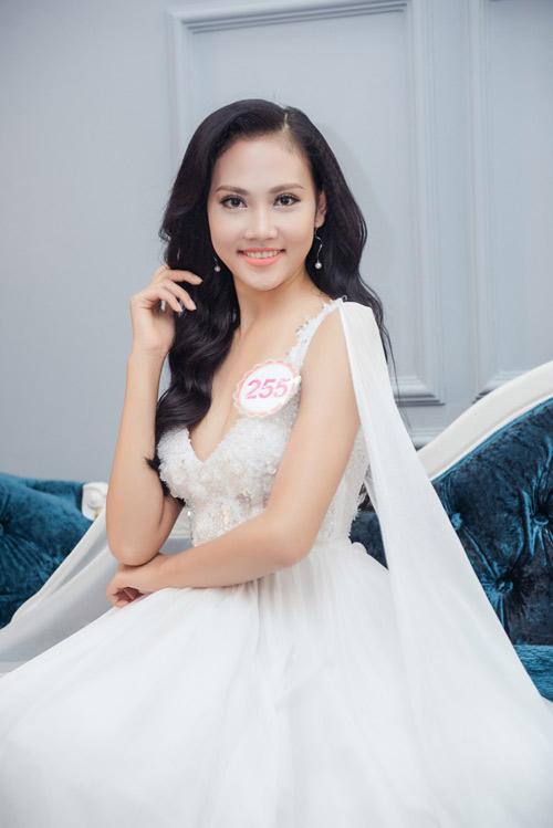 Hoa hậu VN: Thí sinh gợi cảm với đầm ôm sát, xẻ tà - 12