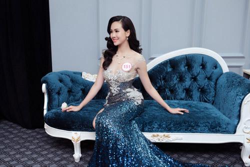 Hoa hậu VN: Thí sinh gợi cảm với đầm ôm sát, xẻ tà - 9