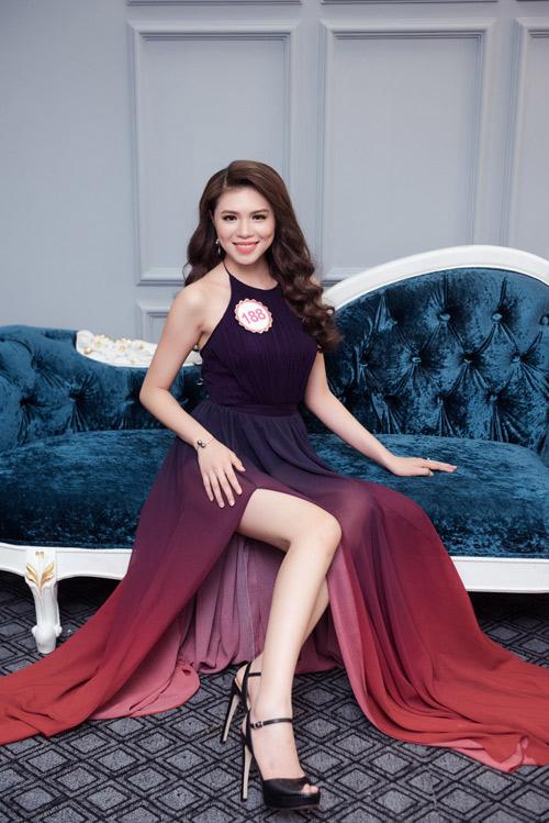 Hoa hậu VN: Thí sinh gợi cảm với đầm ôm sát, xẻ tà - 10