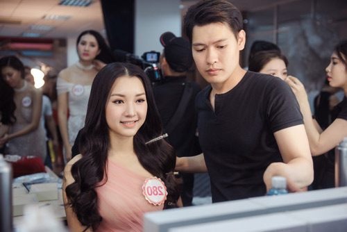 Hoa hậu VN: Thí sinh gợi cảm với đầm ôm sát, xẻ tà - 14