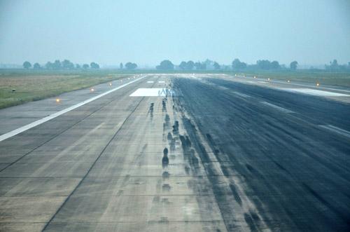 Hằn lún cục bộ đường băng sân bay Nội Bài và Tân Sơn Nhất - 1