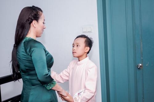 Hồ Văn Cường gây xúc động khi song ca với Phi Nhung - 3