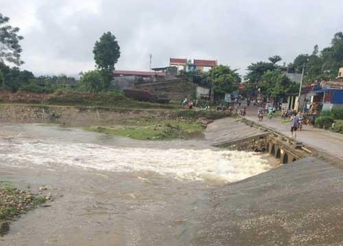 Lào Cai: Đã tìm thấy một thi thể nạn nhân bị lũ cuốn trôi - 1