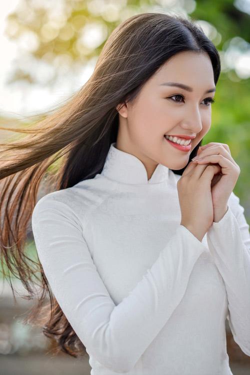 """HOT: """"Nàng thơ xứ Huế"""" bất ngờ xin rút khỏi Hoa hậu VN - 4"""