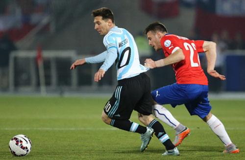 """Đấu Siêu cúp TBN, Messi gặp lại """"hung thần"""" Copa - 2"""