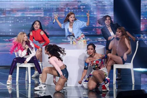 Thí sinh X-Factor bất ngờ ngất xỉu trên sân khấu - 4