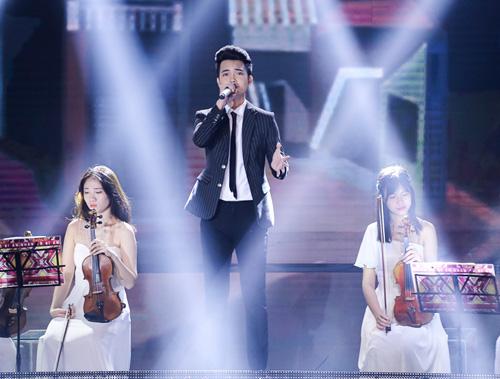 Thí sinh X-Factor bất ngờ ngất xỉu trên sân khấu - 10
