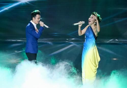 Thí sinh X-Factor bất ngờ ngất xỉu trên sân khấu - 11