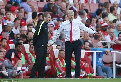 Arsenal thua: Wenger đổ tại Euro, lo lắng tương lai - 1