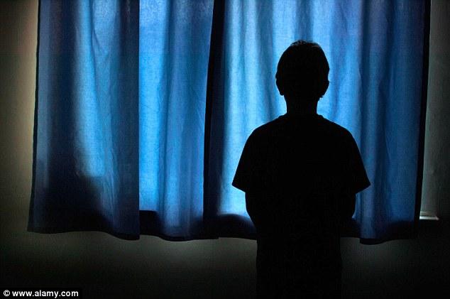 Cậu bé nghiện Viagra khi mới 13 tuổi - 1