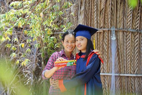 Hành trình quỹ học bổng Colgate: Vì các em xứng đáng - 2