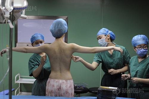 """Hành trình """"lột xác"""" của cô gái có bộ ngực đẹp nhất TQ - 6"""