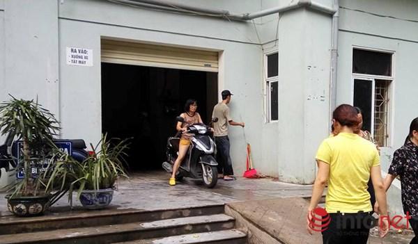 """Hà Nội: Bục bể nước tầng thượng, """"lũ quét"""" qua chung cư - 2"""