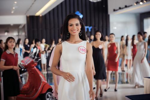 Thí sinh Hoa hậu VN lần đầu livestream với khán giả - 4
