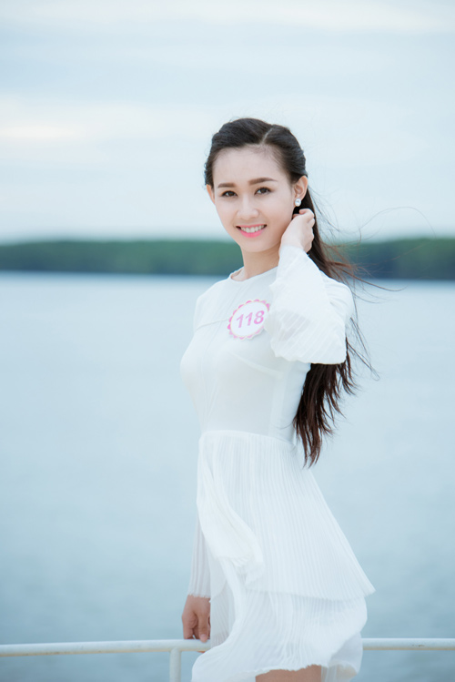 Thí sinh Hoa hậu VN lần đầu livestream với khán giả - 6