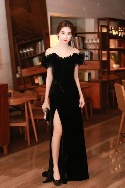 So kè nhan sắc Mỹ nhân Việt mặc váy nhái với sao quốc tế - 5