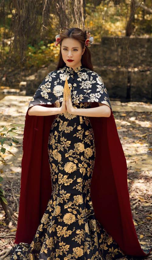 So kè nhan sắc Mỹ nhân Việt mặc váy nhái với sao quốc tế - 3