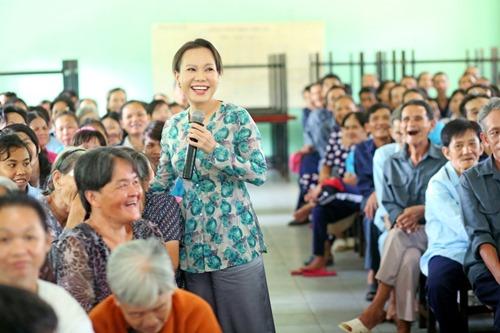 Ông xã Việt Hương khoe tài ca hát - 6