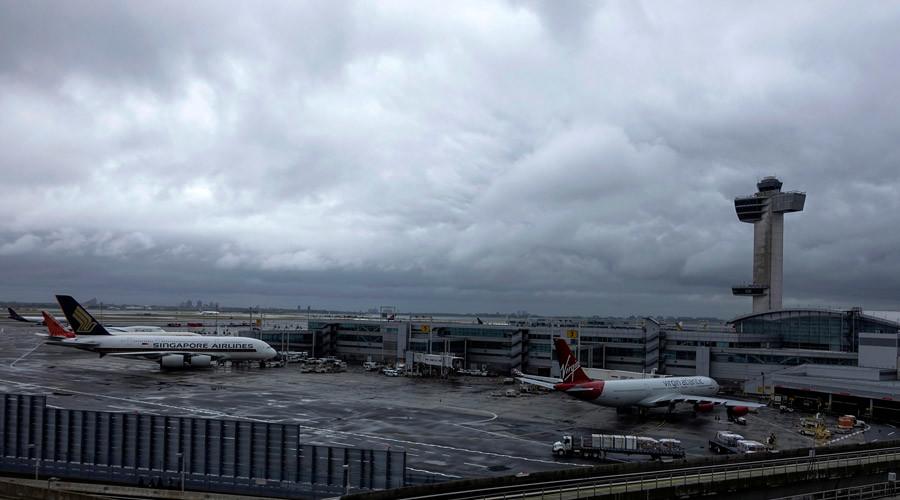 Sơ tán sân bay New York vì báo cáo có tiếng súng nổ - 1