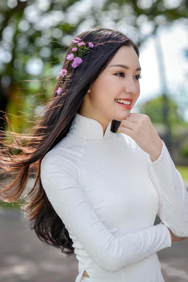 9 mỹ nữ Việt gây tiếc nuối khi rời đấu trường sắc đẹp - 1
