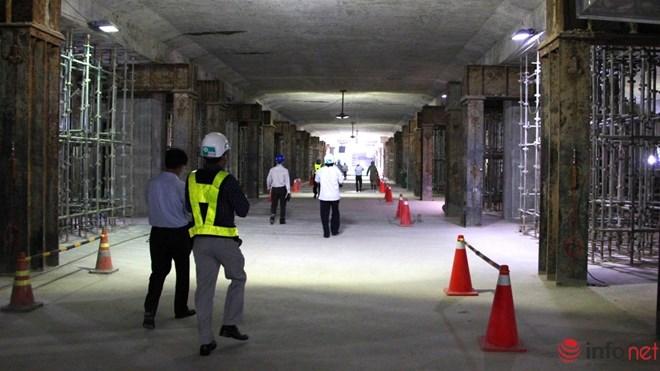 Cận cảnh đại công trường nhà ga metro dưới lòng đất - 3