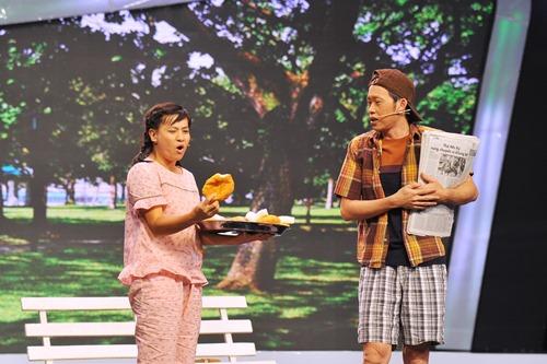 Hoài Linh ốm ở hậu trường, ra sân khấu vẫn diễn sung - 3