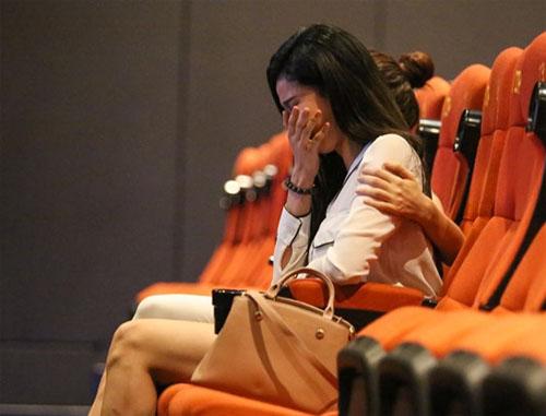 Trương Quỳnh Anh khóc nức nở khi Tim bất ngờ cầu hôn - 1