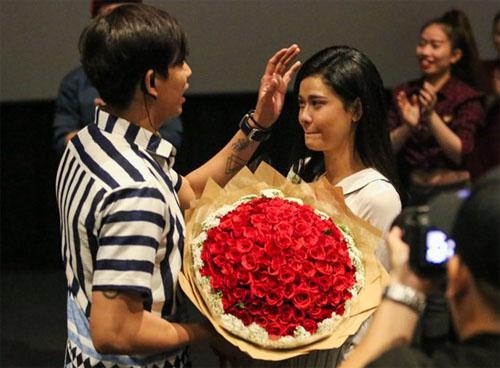 Trương Quỳnh Anh khóc nức nở khi Tim bất ngờ cầu hôn - 2