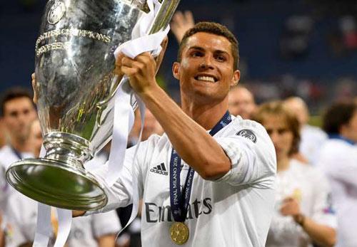 """Kaka """"cạn lời"""" trước sự phi thường của Ronaldo - 1"""