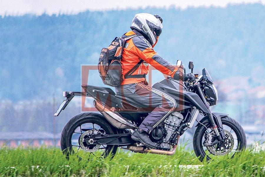 """""""Chụp lén"""" KTM Duke 800 2017 - 1"""