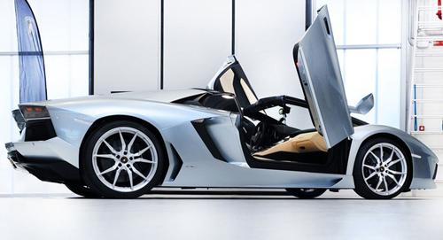 Vì sao giới độ xe Việt Nam ưa thích cửa cắt kéo của Lamborghini? - 1