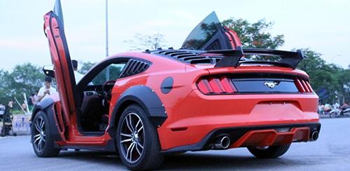 Vì sao giới độ xe Việt Nam ưa thích cửa cắt kéo của Lamborghini? - 2