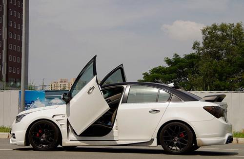 Vì sao giới độ xe Việt Nam ưa thích cửa cắt kéo của Lamborghini? - 10