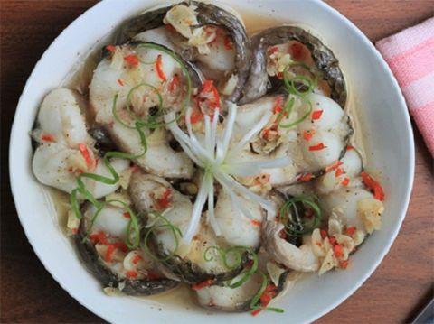30 phút vào bếp với cá hấp tiêu thơm ngon, đậm đà - 4