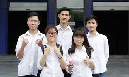 Sinh viên Bách khoa chế tạo xà phòng đen từ trấu - 2