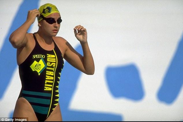 """Đồ bơi tại Olympic ngày càng """"thoáng đãng"""" - 10"""