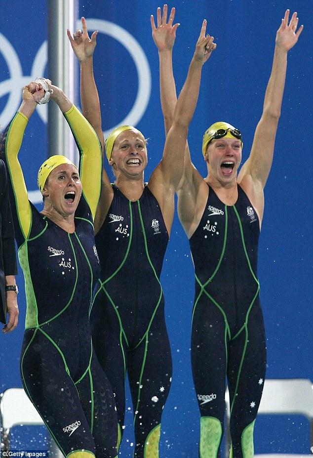 """Đồ bơi tại Olympic ngày càng """"thoáng đãng"""" - 12"""