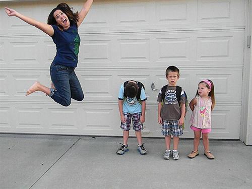 Con trở lại trường là niềm vui sướng của bố mẹ! - 4