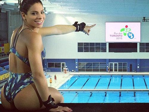 Sự cố có một không hai của nữ VĐV nóng bỏng Brazil - 1