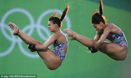 Sự cố có một không hai của nữ VĐV nóng bỏng Brazil - 4