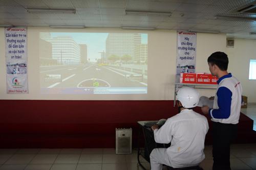 Ngày hội 4S - tìm hiểu luật giao thông và trải nghiệm kỹ năng lái xe an toàn - 4