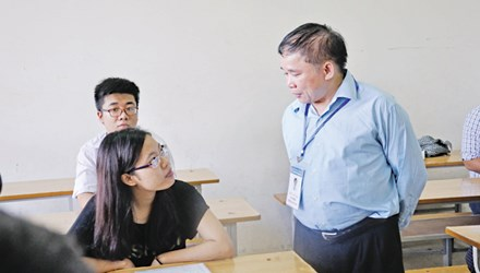 """Thứ trưởng Bộ GD-ĐT: Các trường phải chấp nhận thí sinh """"ảo"""" - 1"""