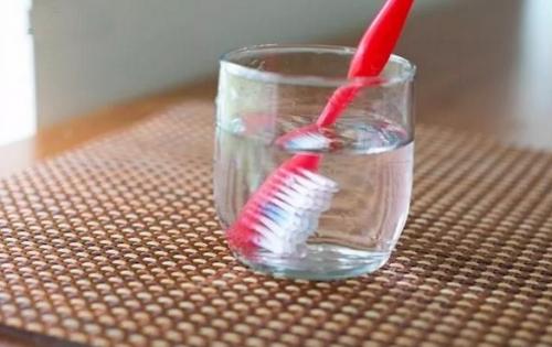 Sự thật đáng sợ về chiếc bàn chải đánh răng của bạn - 3