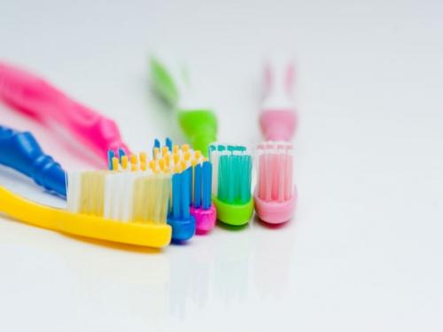 Sự thật đáng sợ về chiếc bàn chải đánh răng của bạn - 4